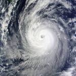 台風16号が九州上陸。【ブランド店】台風の日は購買率が上がる?!
